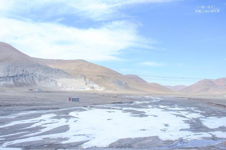 雖然已是五月,但海拔三千多以上的地方仍是白茫茫的雪地