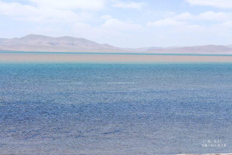 措那湖 因為湖裡蘊含著不同的礦物質,所以有不同顏色